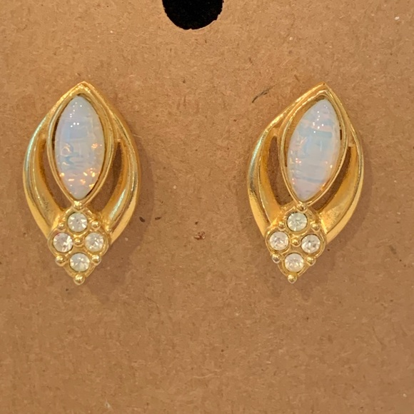 💐5/25 Avon opal crystal gold tone classic